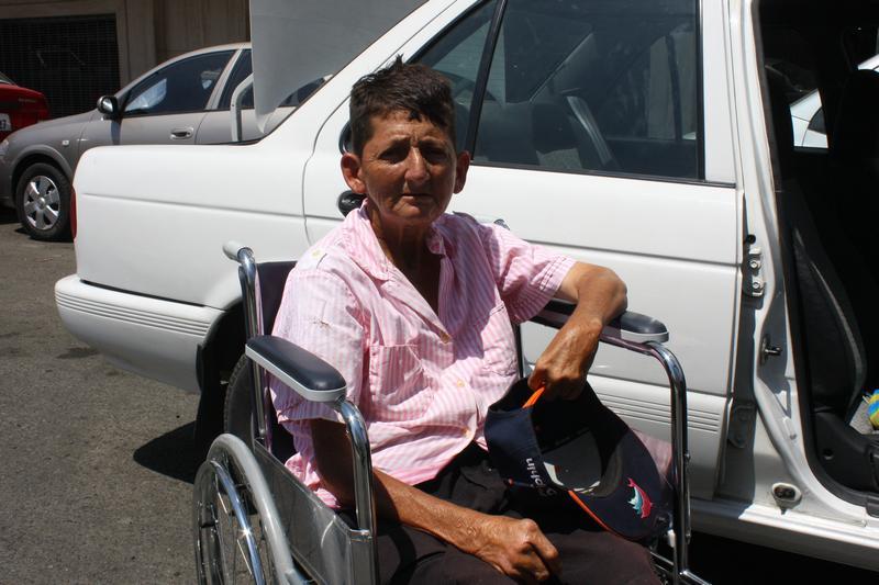Cruzada Nueva Humanidad entrega silla de ruedas