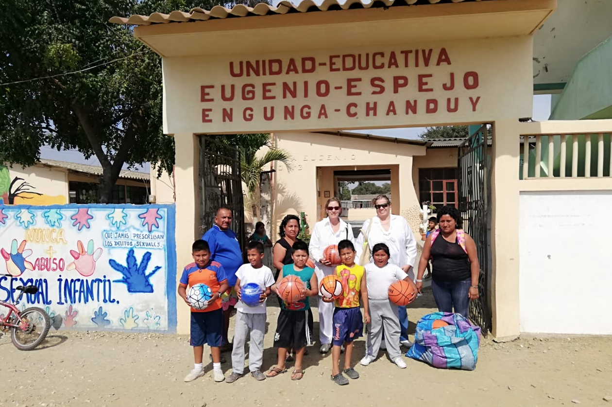 Visita Médica en Engunga 2018 de la Dra. Annabella Azín de Noboa y la Dra. Jenny Arteaga