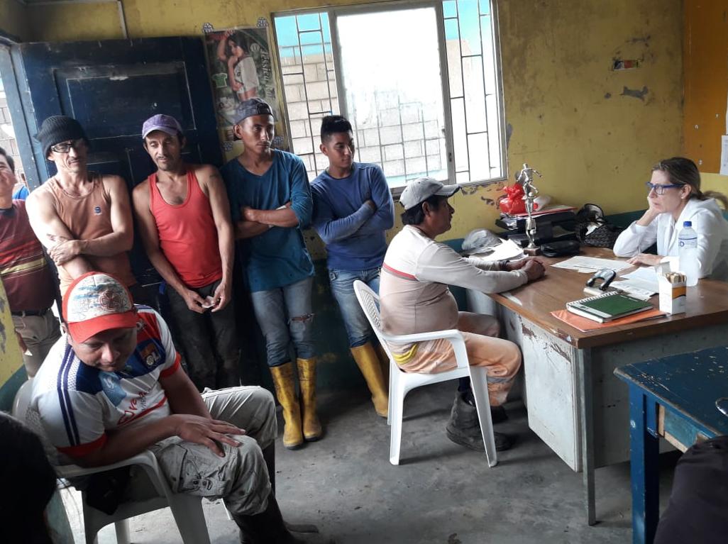 Visita en Guayas - Taura 2017 de la Dra. Annabella Azín de Noboa